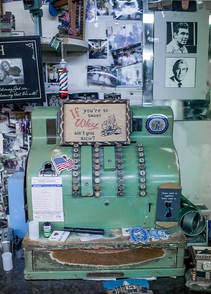 vintage cash register photo